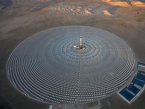 IVANPAH_SolarThermalPowerPlant_CaNvBorder_13mW-600